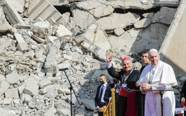"""En Irak, Francisco pidió que """"las  mujeres sean respetadas y defendidas"""""""