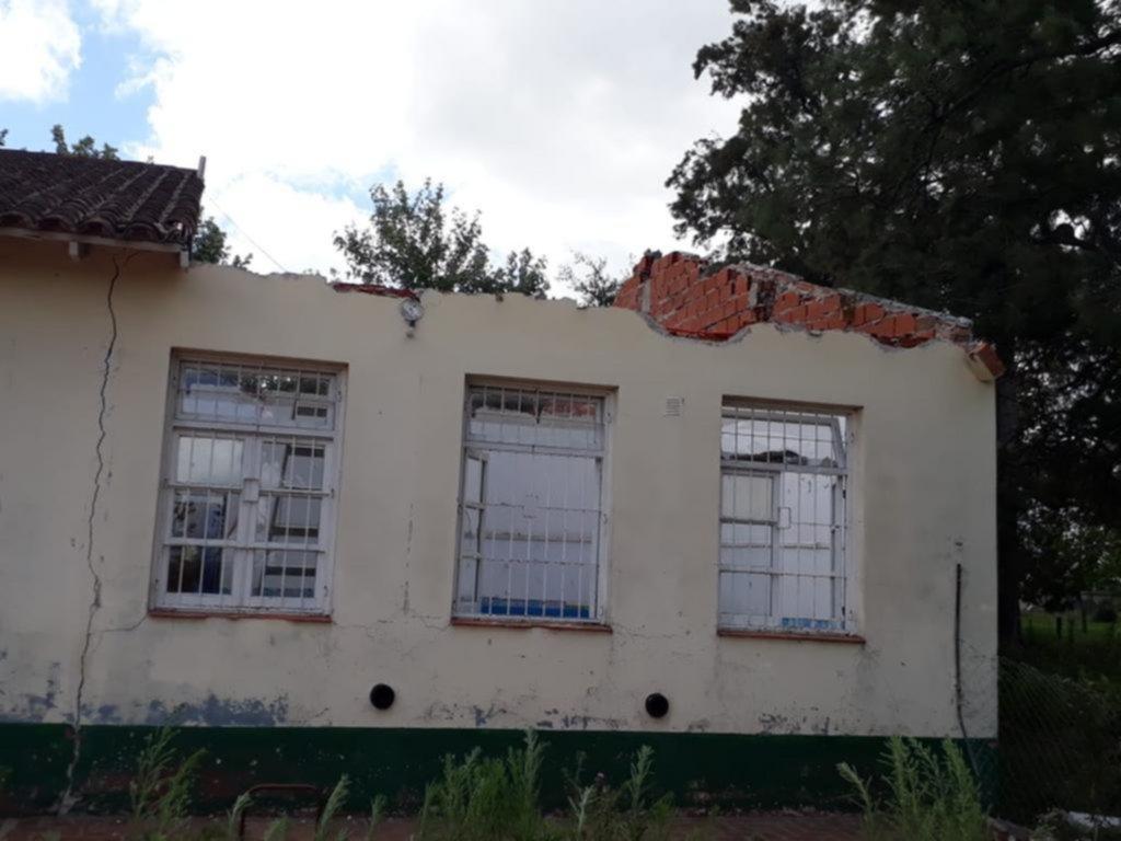 La larga crisis de los edificios escolares: ocho de cada diez tiene problemas en los techos