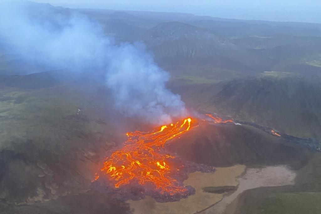El volcán que se despertó de un sueño de 800 años en Islandia