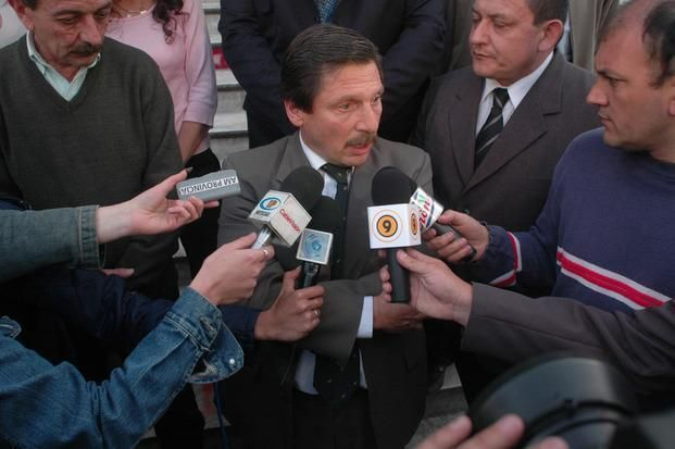Ordenan la detención de 5 policías por los sobres en la Departamental