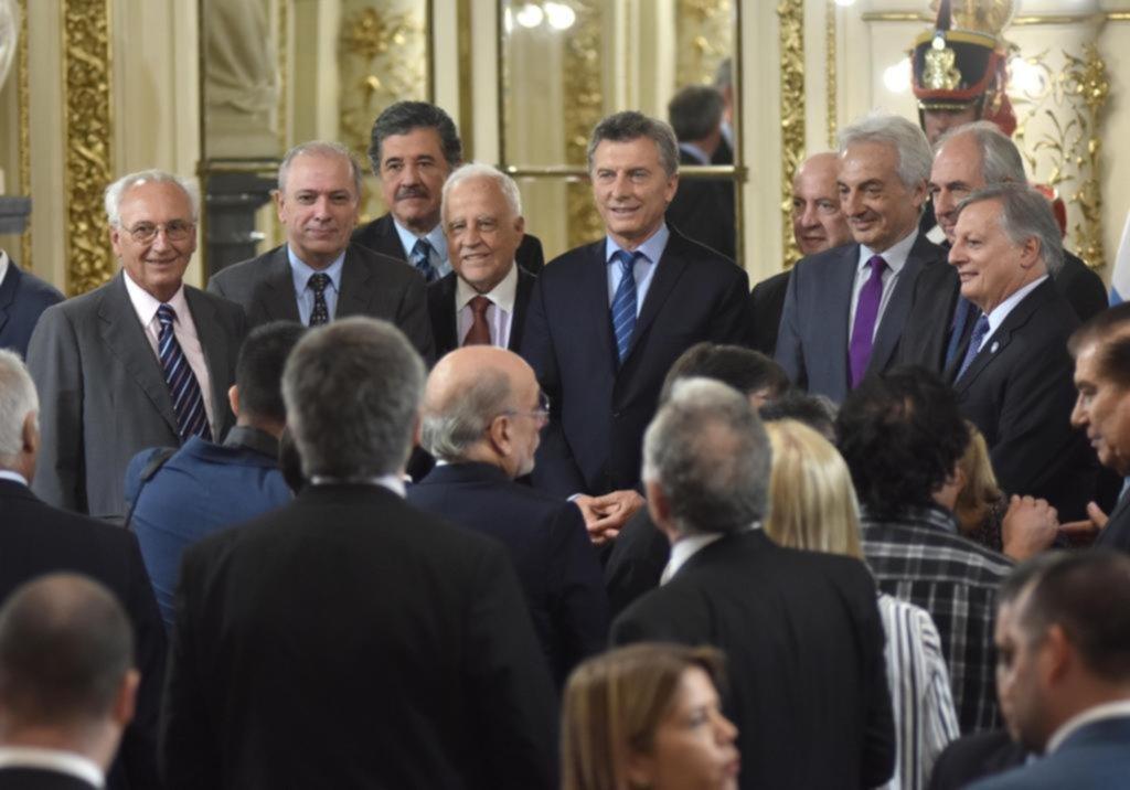 Macri anunció un acuerdo federal energético y volvió a cargar contra el kirchnerismo