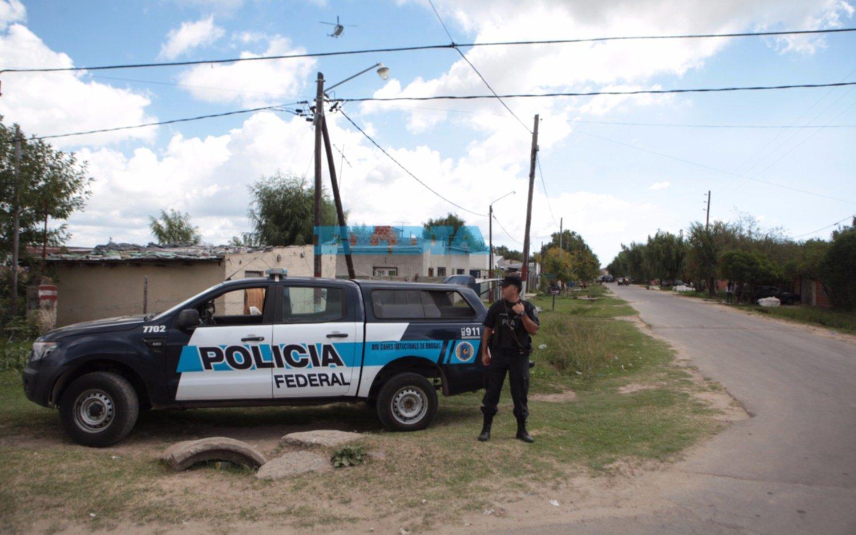 Asaltaron a una mujer durante el operativo en El Mercadito: presos