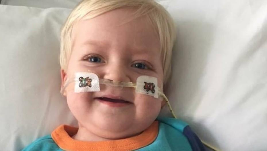 Un nene de dos años despertó del coma cuando estaban a punto de desconectarlo