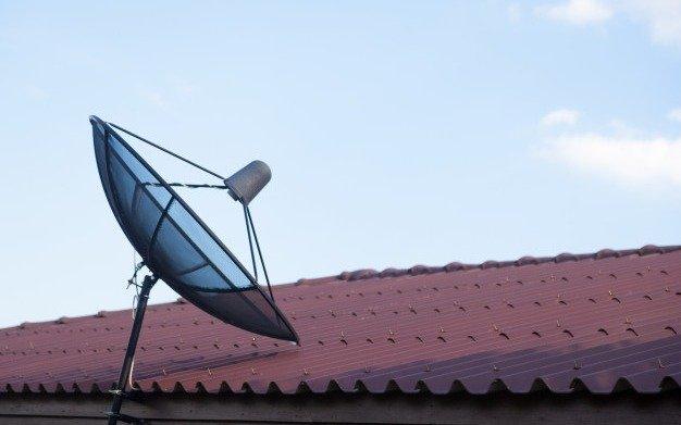 Estudian proyecto que busca habilitar a telefónicas a brindar televisión satelital