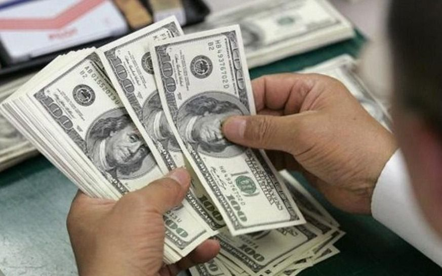 Sin intervención del Banco Central, el dólar operó estable