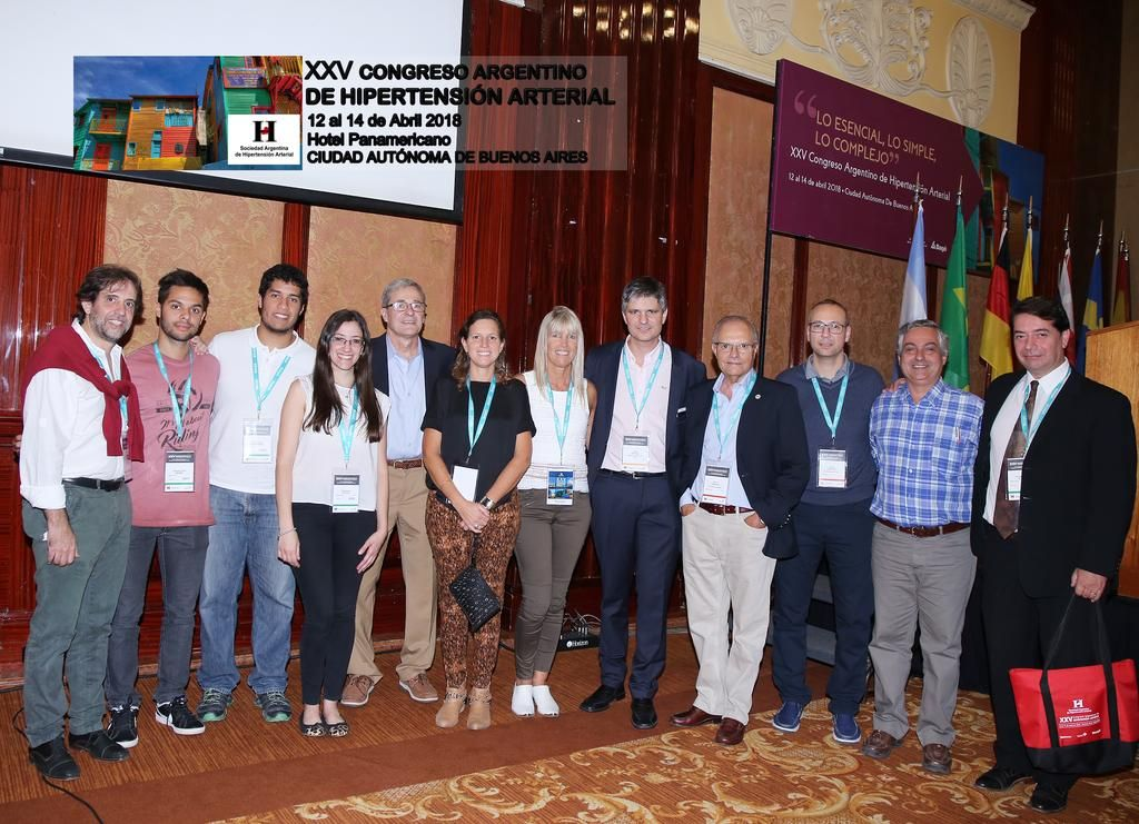 Un equipo de médicos platenses ganó premios en un congreso nacional sobre presión arterial