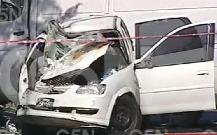 Dos mujeres de 23 y 30 años murieron tras chocar en un auto contra una camioneta