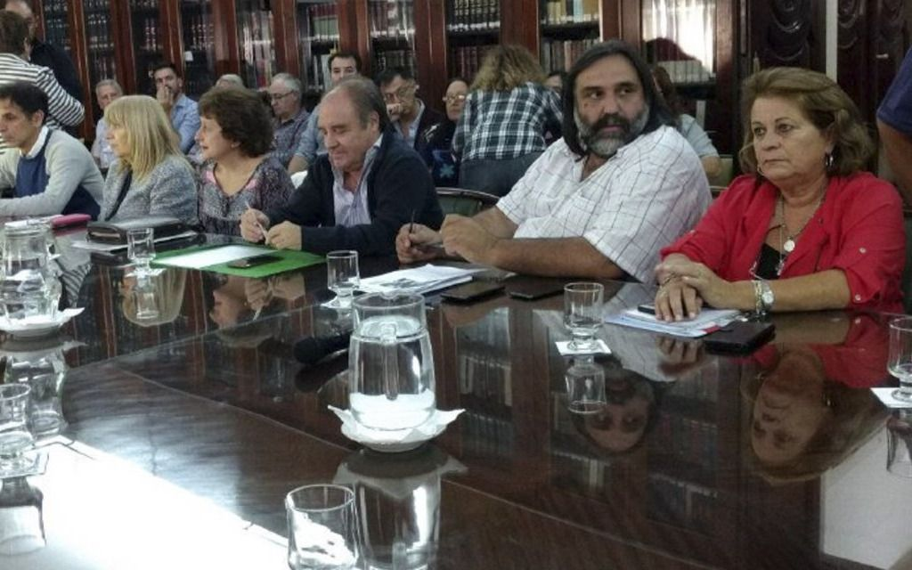 Convocan a una nueva reunión paritaria para el viernes a los docentes bonaerenses