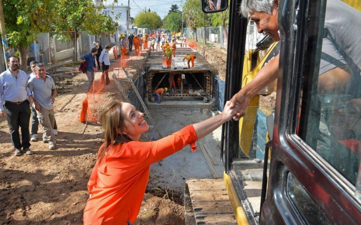 Vidal recorrió obras de saneamiento en San Miguel