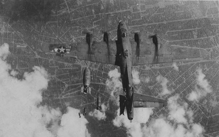 Paralizan aeropuerto de Berlín por bomba de la Segunda Guerra