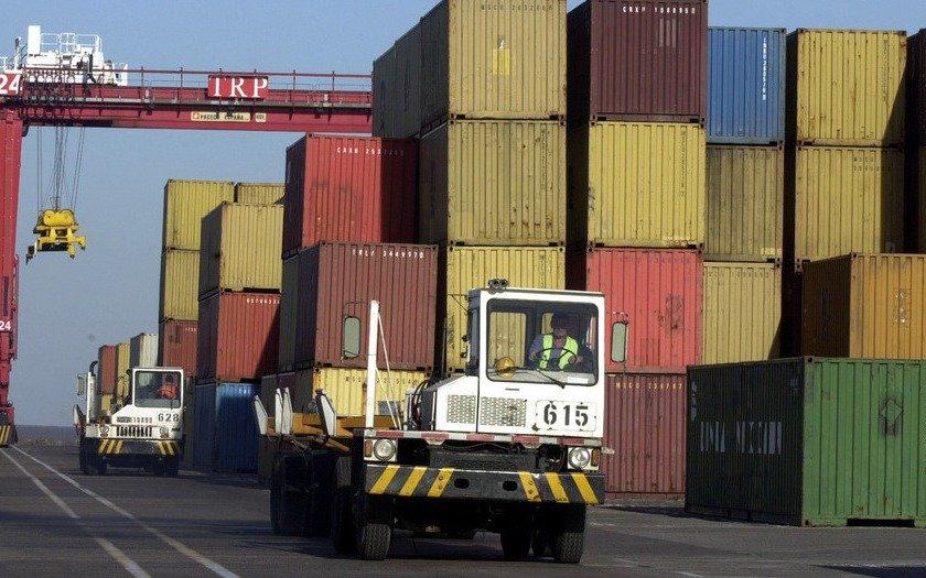 La balanza comercial cerró marzo con un déficit U$S 611 millones
