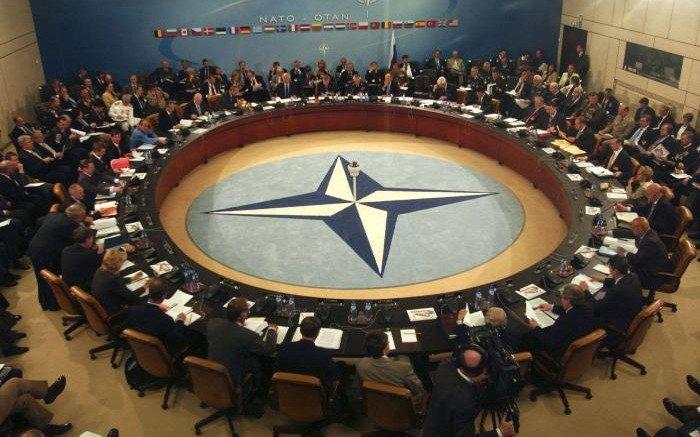 España reconoce fisuras entre los miembros de la OTAN frente a Rusia