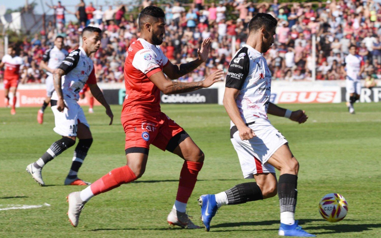 Patronato venció a Argentinos Juniors y descendieron San Martín, Tigre y Belgrano