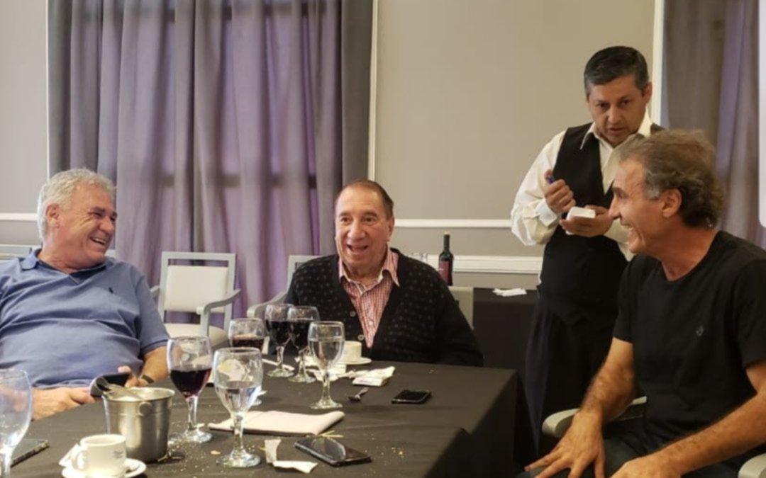 El reencuentro de los campeones del '86 con Bilardo — Una visita especial