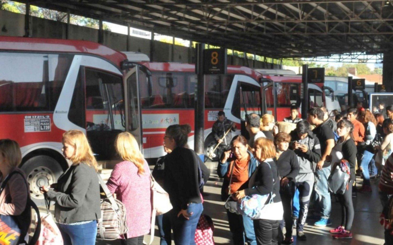 Anunciaron un paro de transportes para el 1º de mayo