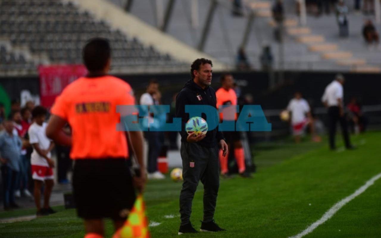 """Milito: """"Tuvimos dificultades con la pelota por la intensidad del rival"""""""