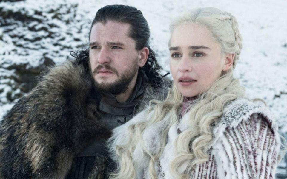 """No hace falta pagar: """"Game of Thrones"""" va por el cable básico en su debut"""