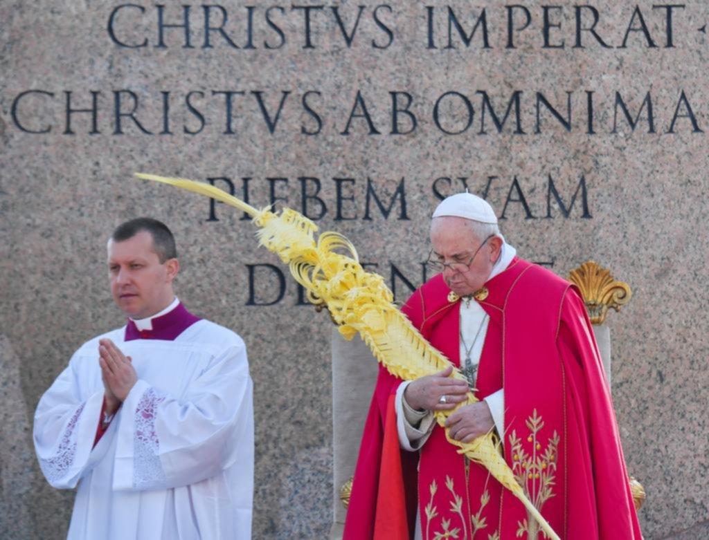 En el Domingo de Ramos, el papa Francisco llamó a no ser triunfalistas ni presuntuosos