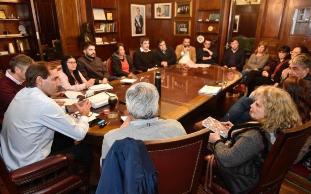 """Garro convoca a un """"consejo consultivo"""" para el desarrollo productivo de la Ciudad"""