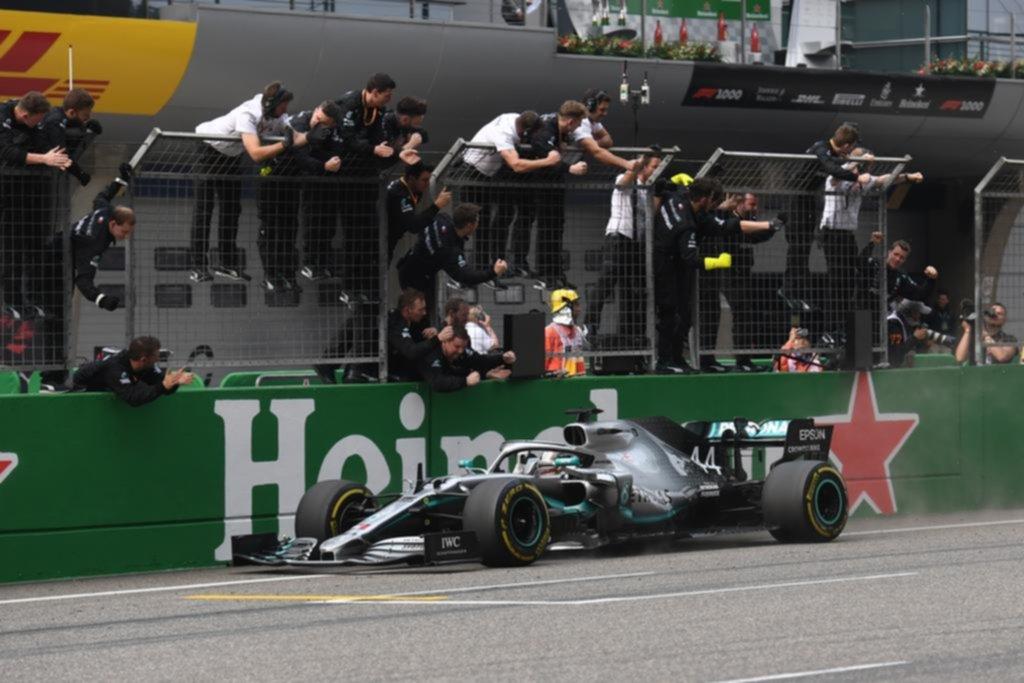 """Lewis Hamilton y un triunfo que """"vale por 1000"""" en la historia de la Fórmula 1"""
