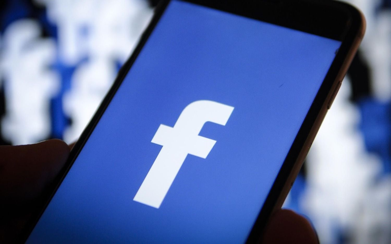 """Reino Unido podría eliminar el botón """"Me gusta"""" de Facebook para proteger a los niños"""