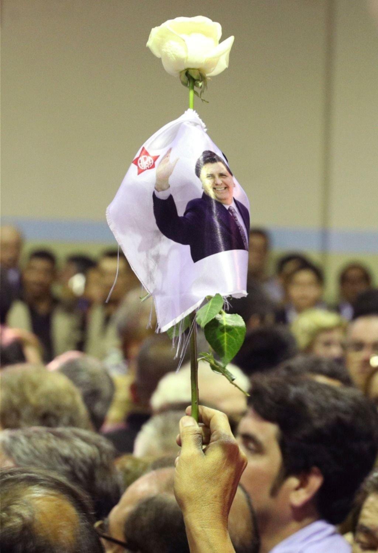 Velan los restos de Alan García, ex presidente peruano que se suicidó antes de ser detenido