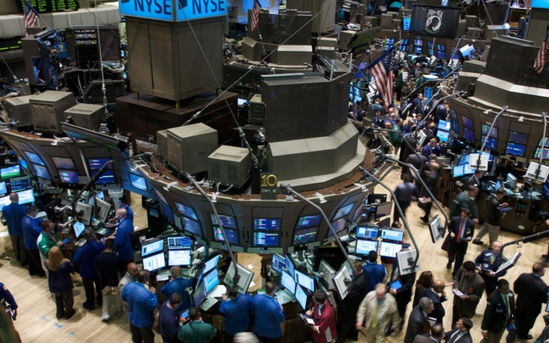 Cayeron las acciones argentinas en Wall Street y el riesgo país tocó los 850 puntos