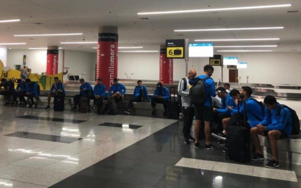 Las insólitas idas y vueltas de Boca que tuvo un viaje de locos a Colombia
