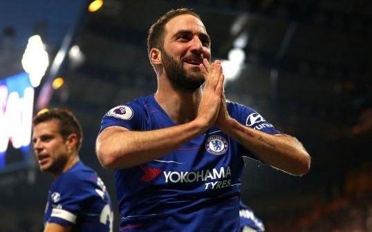 El golazo del Pipita en el empate del Chelsea