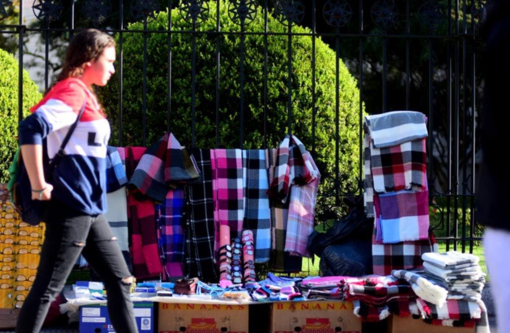 La venta ambulante en la Ciudad no da tregua: entre febrero y marzo creció 11%