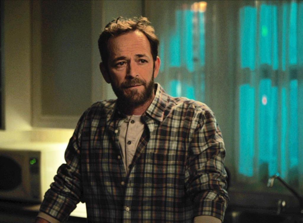"""""""Riverdale"""" emite hoy el último capítulo que filmó Luke Perry"""