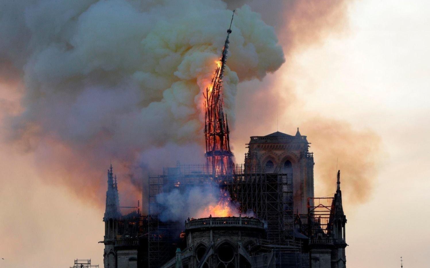 Encontraron 5 colillas de cigarrillos en los andamios que usaban para restaurar Notre Dame