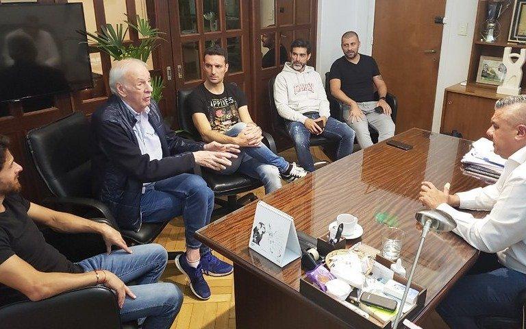 Tapia, Menotti y Scaloni mantuvieron un nuevo encuentro en AFA