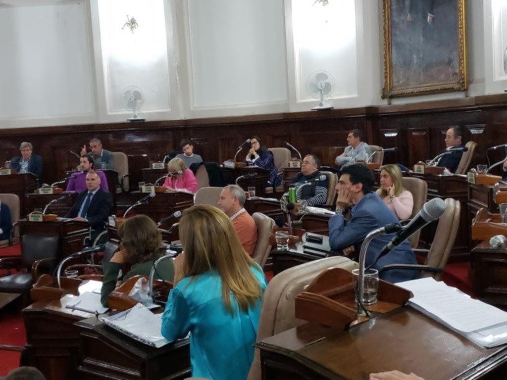 Con la campaña como telón de fondo, el Concejo votó las cuentas de Garro