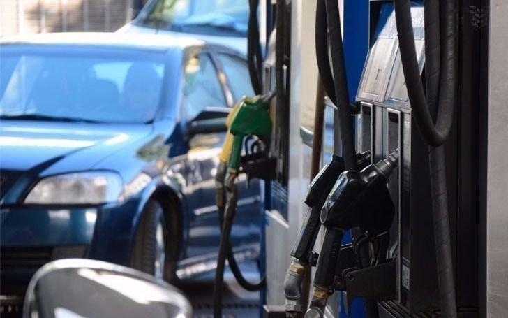 La nueva disparada del dólar ya hace anticipar otro aumento en los combustibles