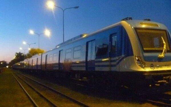 Por grafitear un tren,la Justicia ordenó a un joven a realizar tareas de limpieza