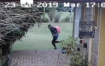 Una mañana llena de terror para dos nenas y la niñera asaltadas en su casa
