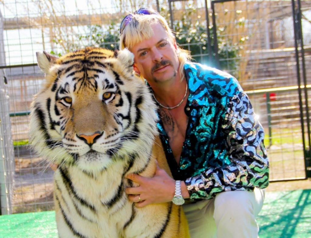 "Recomendados para la cuarentena ""Tiger King"", la bizarra serie que obsesiona a todo Twitter"