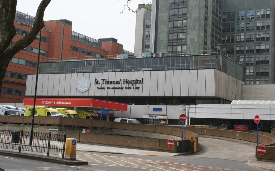 Boris Johson salió de terapia intensiva y el Reino Unido continúa la cuarentena