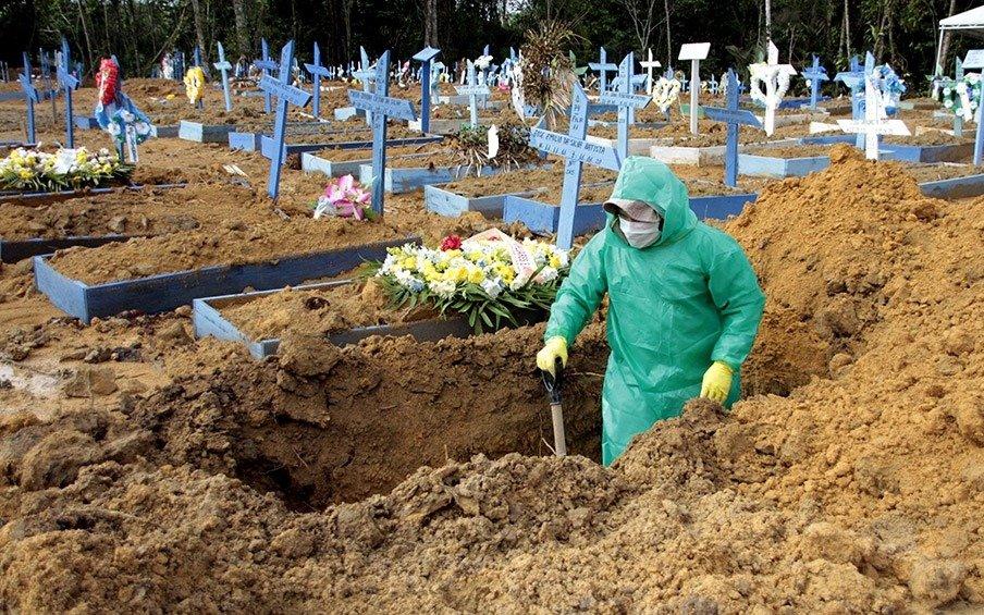 Brasil rompe su récord diario al registrar este martes más de 4.000 muertes por COVID-19