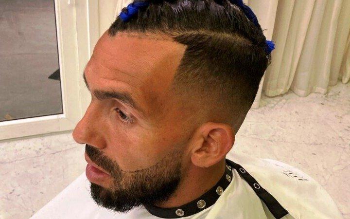 Carlitos Tevez y un cambio de look que dio mucho que hablar
