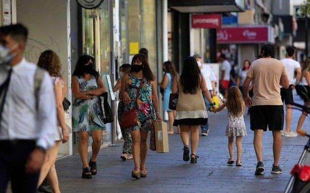 La Municipalidad anunció una reducción del horario de los comercios no esenciales, pero desde la FELP aseguran que no fueron consultados