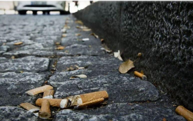 Multas de hasta $351 mil por tirar en la vía pública colillas de cigarrillos