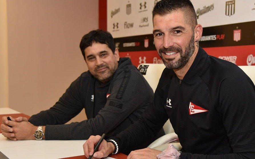 El Pincha hizo oficial la renovación del contrato de Andújar