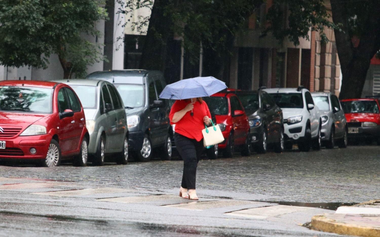Fin del alerta amarillo en La Plata por fuertes tormentas: cuánto llovió barrio por barrio