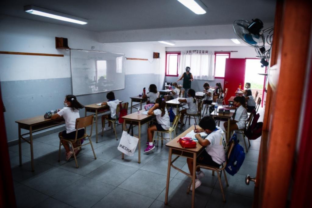 Covid: los docentes piden una reunión urgente y hablan de medidas restrictivas