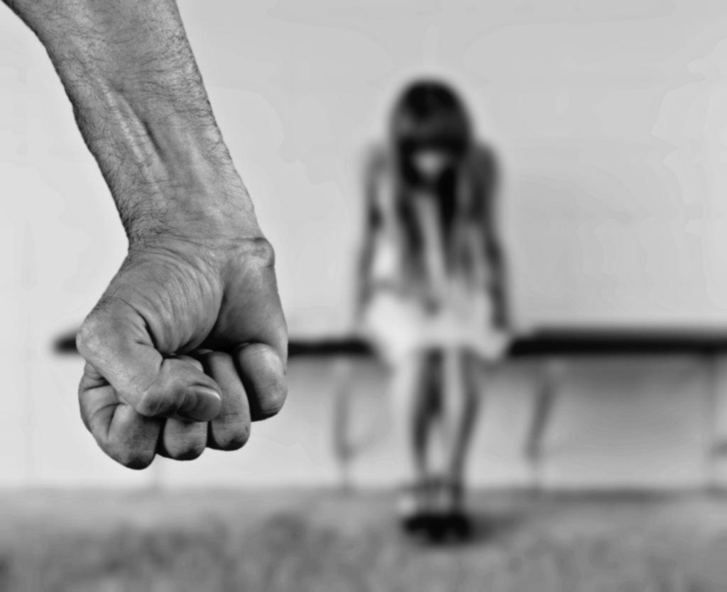 Violencia en casa, otra de las aristas más brutales que potencia la pandemia