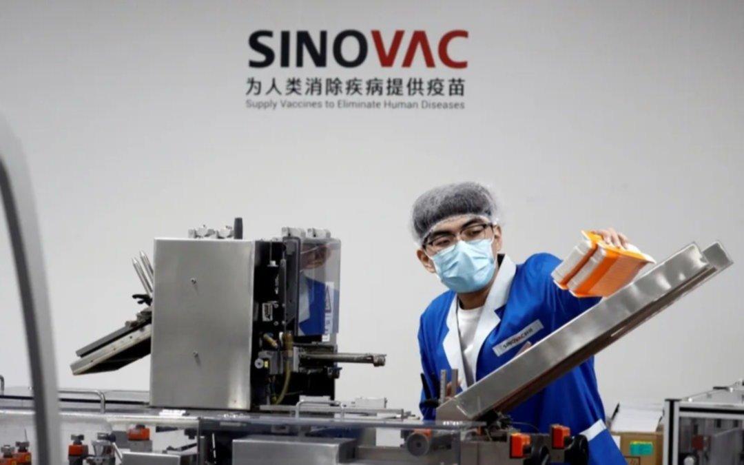 China también evalúa combinar vacunas contra el coronavirus para mejorar su eficacia