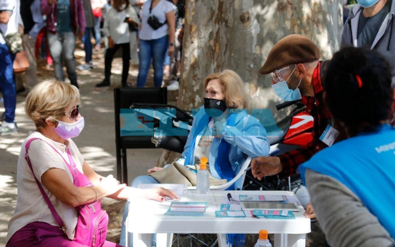 Detectan en La Plata más casos positivos de la cepa de Manaos y otro de Reino Unido