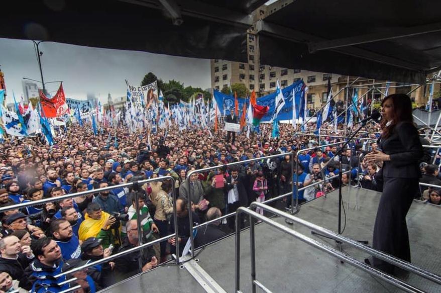 Sobreseyeron a Cristina Kirchner y a Kicillof en la causa del dólar futuro